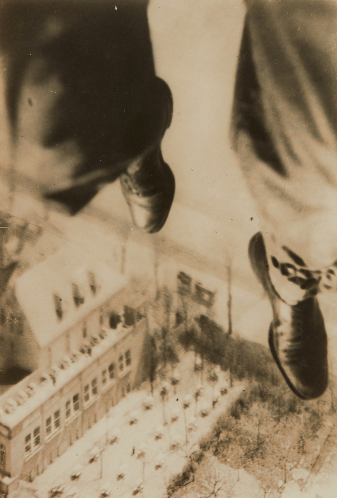 Willi Ruge, Berlin Fallschirmspringer [The Berlin Parachutist]