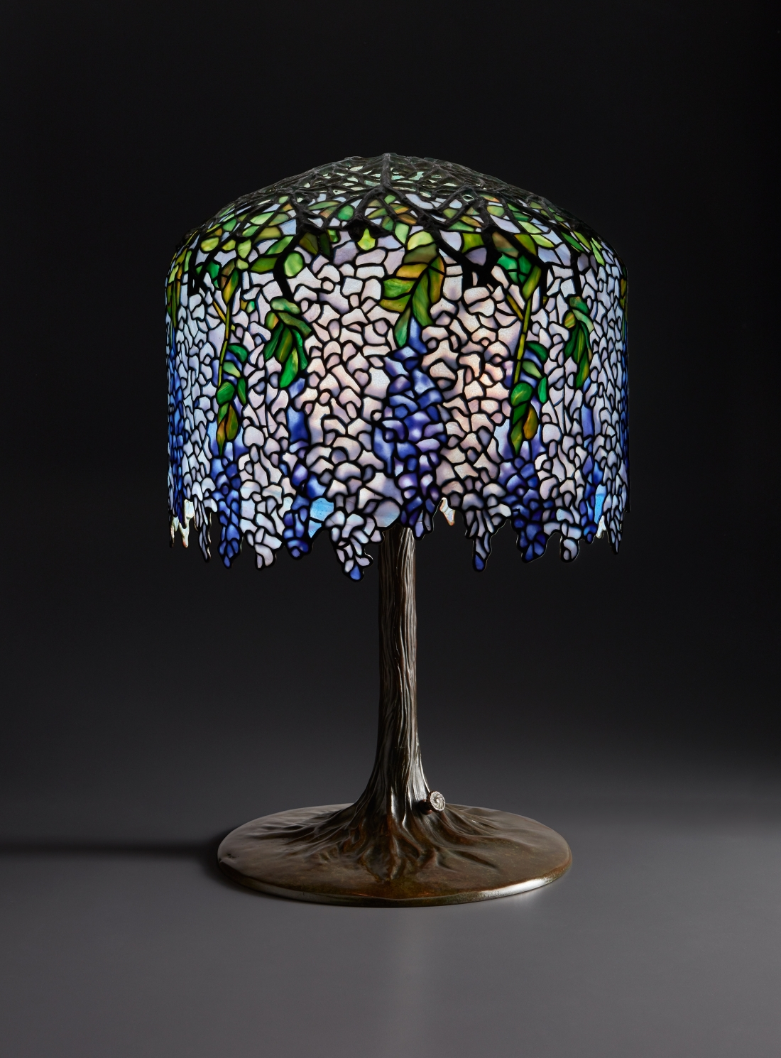Tiffany, Wisteria Table Lamp